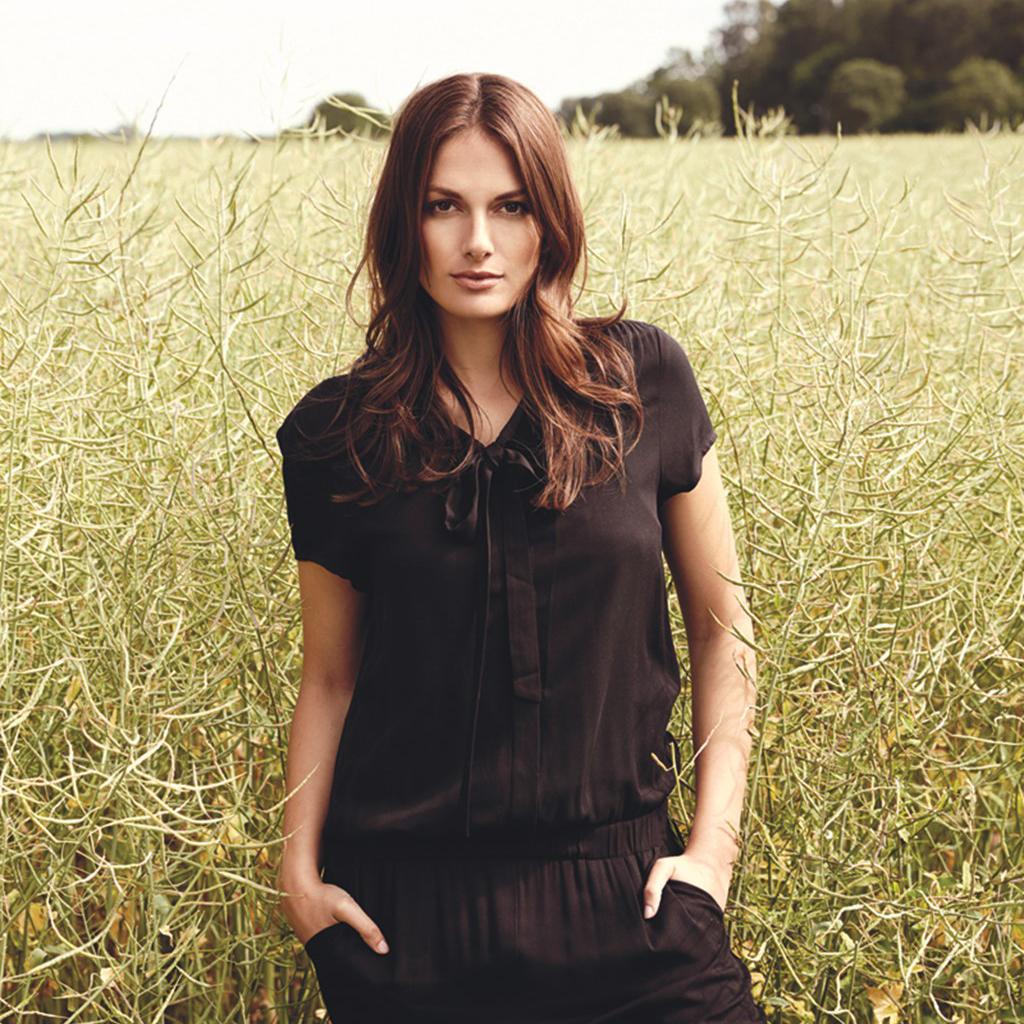 1e6883b0d39f8c Soyaconcept is een hip modemerk voor vrouwen die volgens de laatste mode  trends gekleed willen gaan. Soyaconcept staat bekend om het gebruik van  soepel ...
